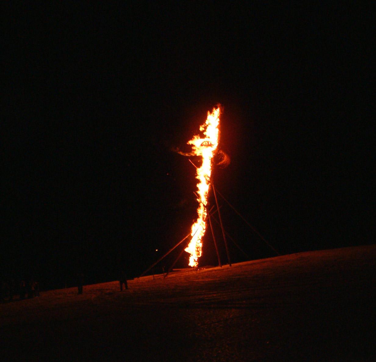 hexe-brennt2.jpg